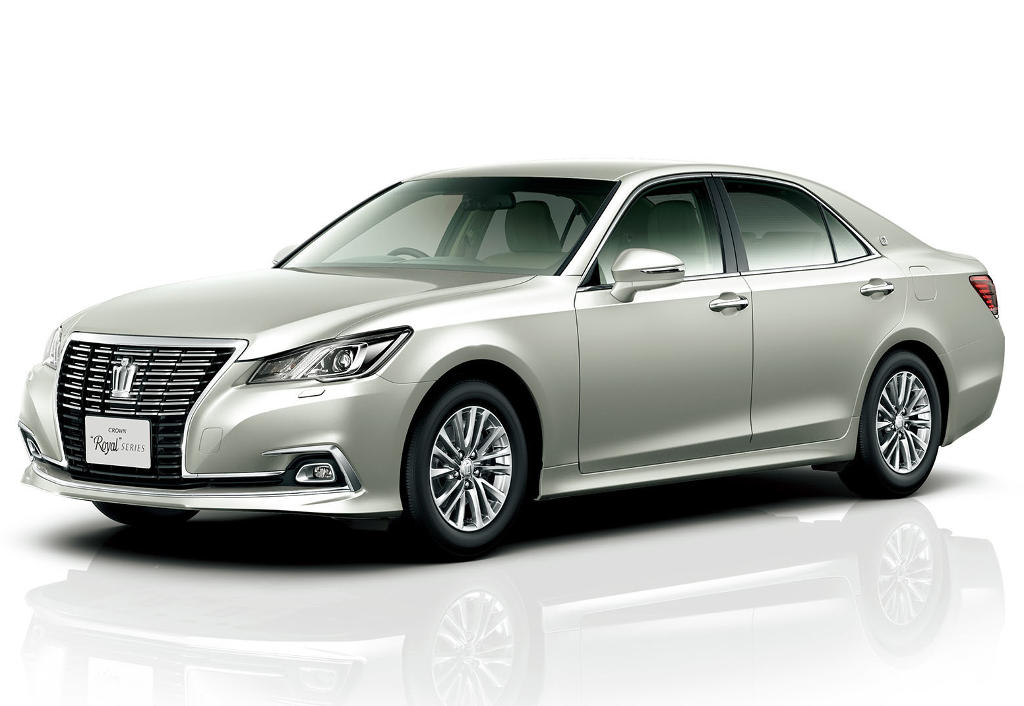 фото Toyota Crown 2016 Royal Saloon G