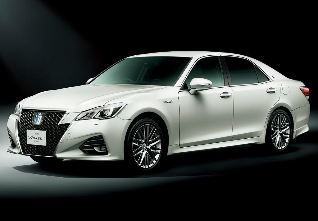 фото Toyota Crown Athlete 2016