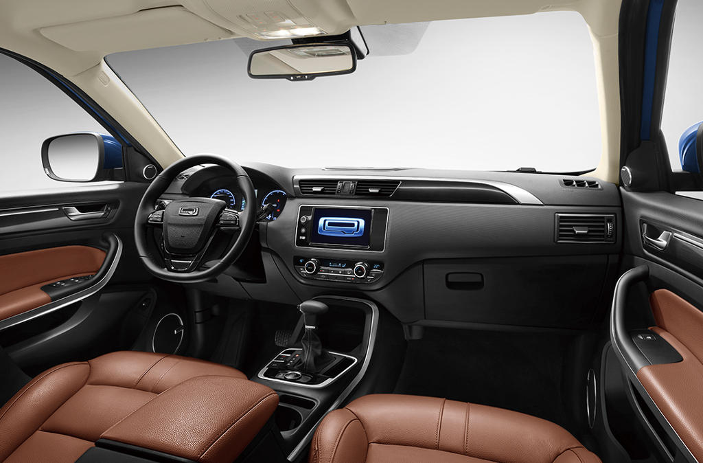 салон Qoros 5 SUV