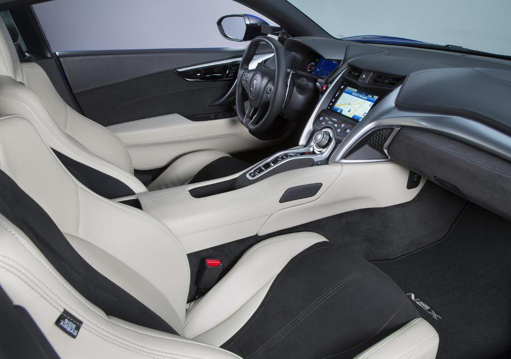 интерьер 2017 Acura NSX