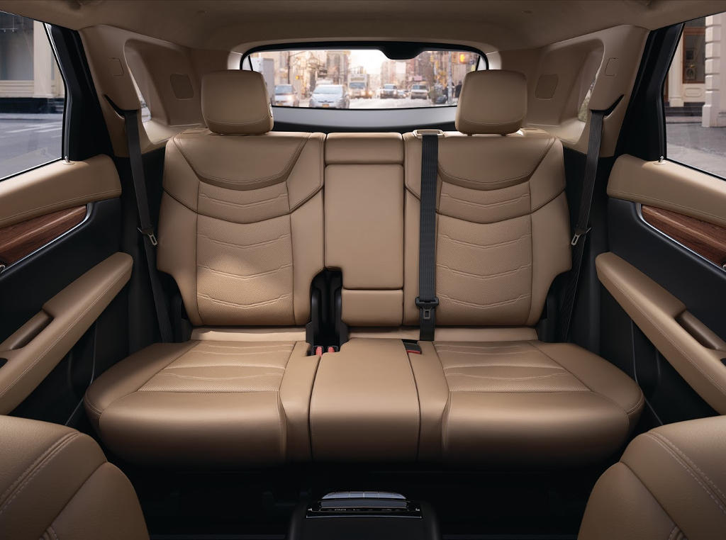 интерьер Cadillac XT5