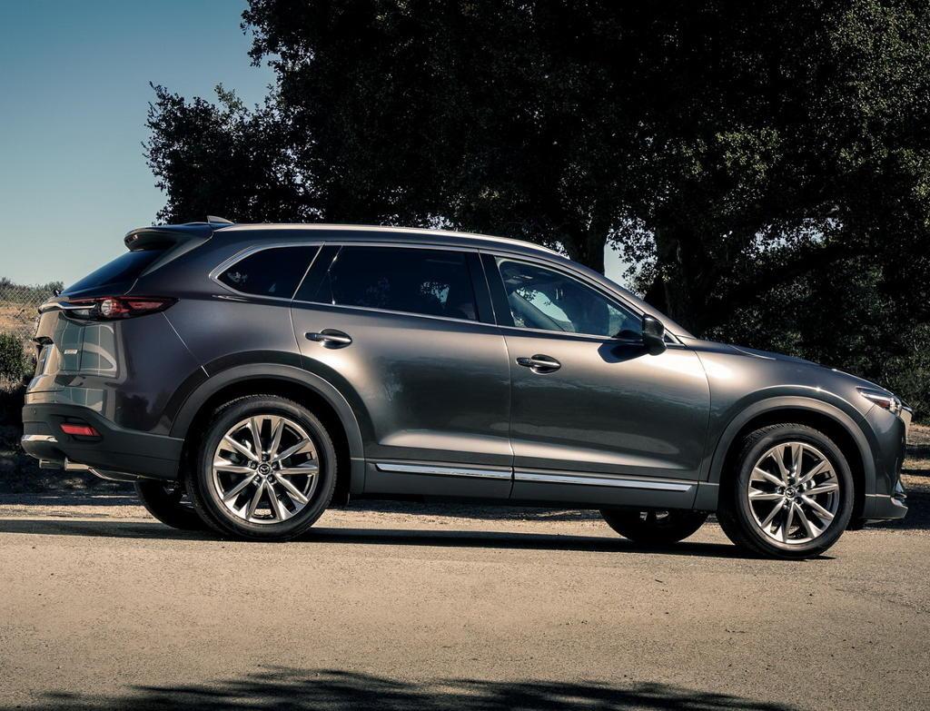 новая Mazda CX-9 2016 сбоку