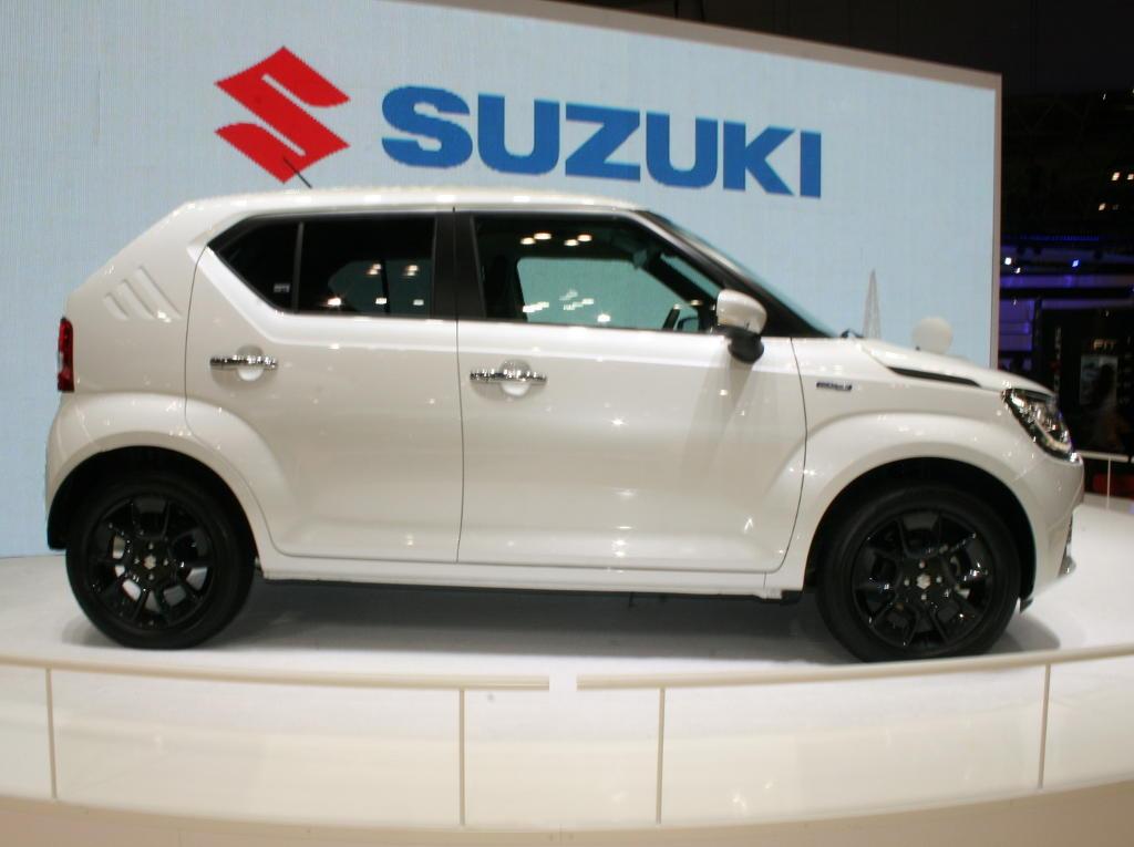 новый Suzuki Ignis 2016 сбоку