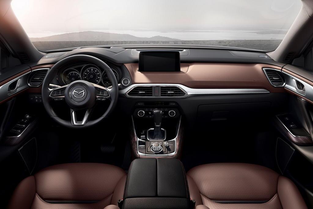 салон Mazda CX-9 2016