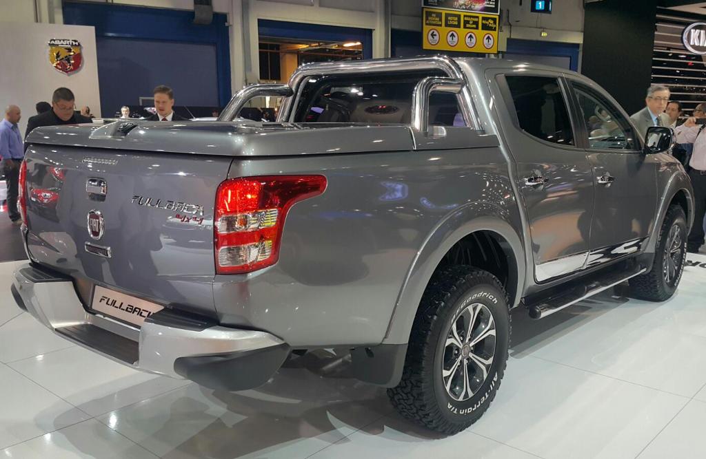 задняя часть Fiat Fullback 2016