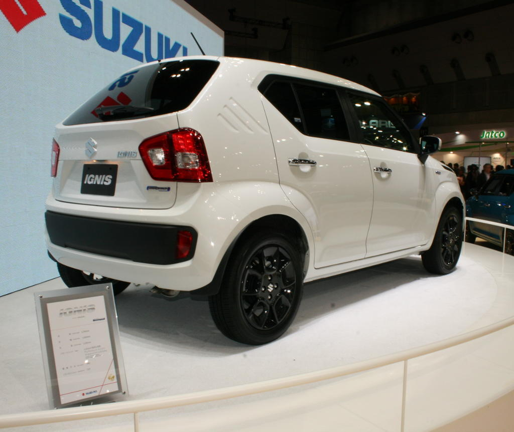 задняя часть Suzuki Ignis 2016