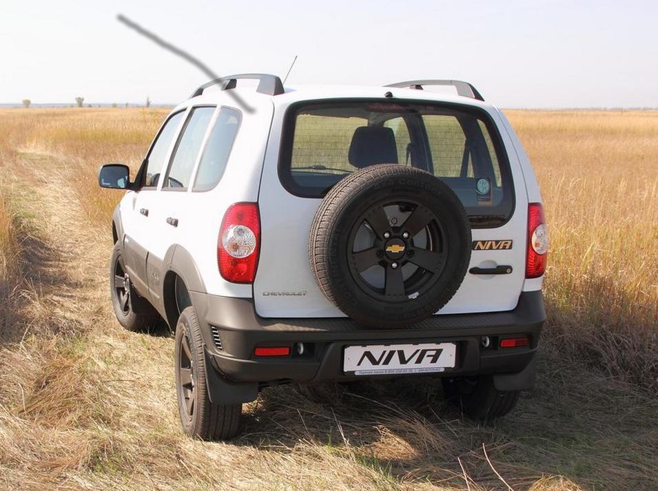 задняя часть зимней версии Chevrolet Niva 2016
