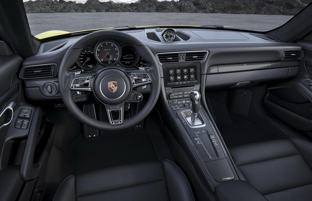 салон Porsche 911 Turbo S 2016