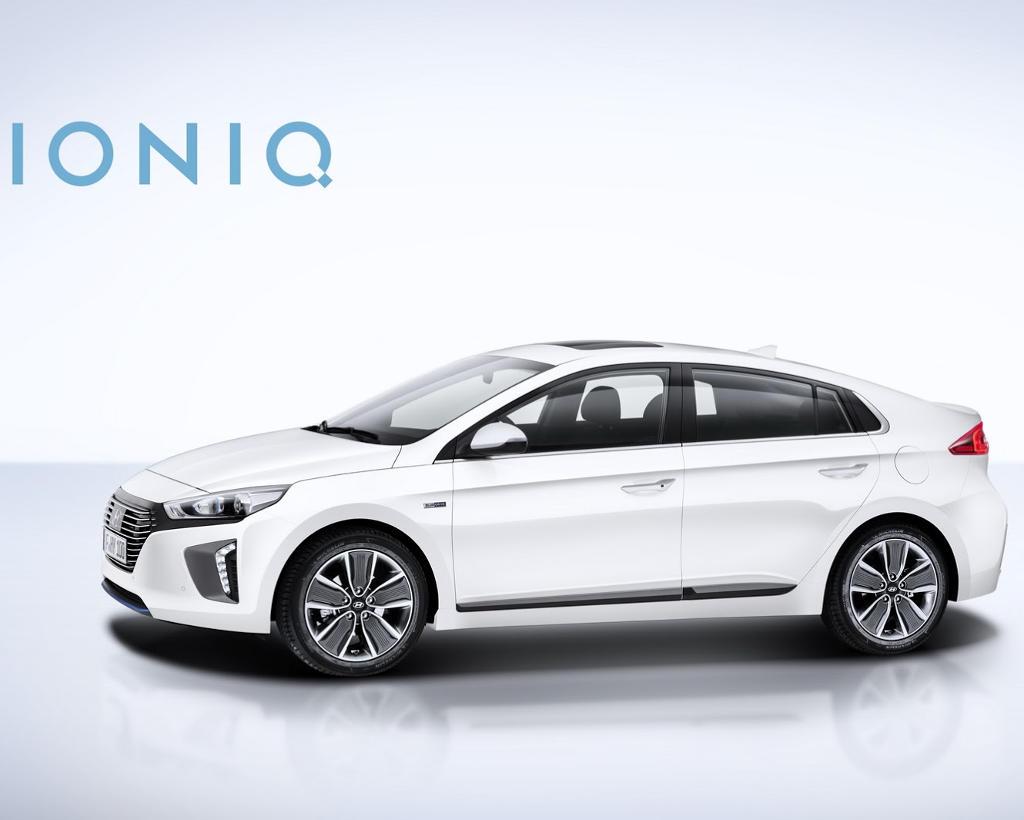 гибрид Hyundai Ioniq сбоку