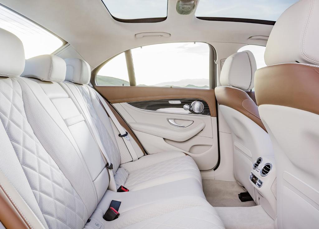 интерьер Mercedes E-Class (W213) 2016