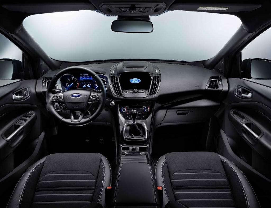 салон Ford Kuga 2016 - 2017 фото