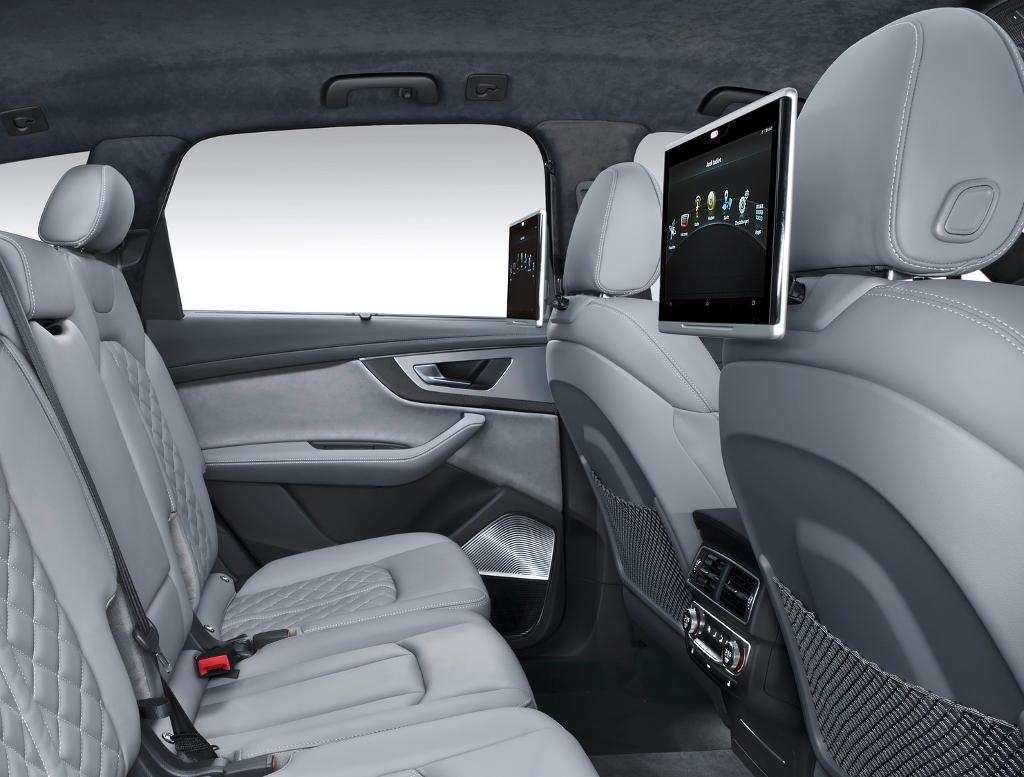 салон Audi SQ7 TDI 2017