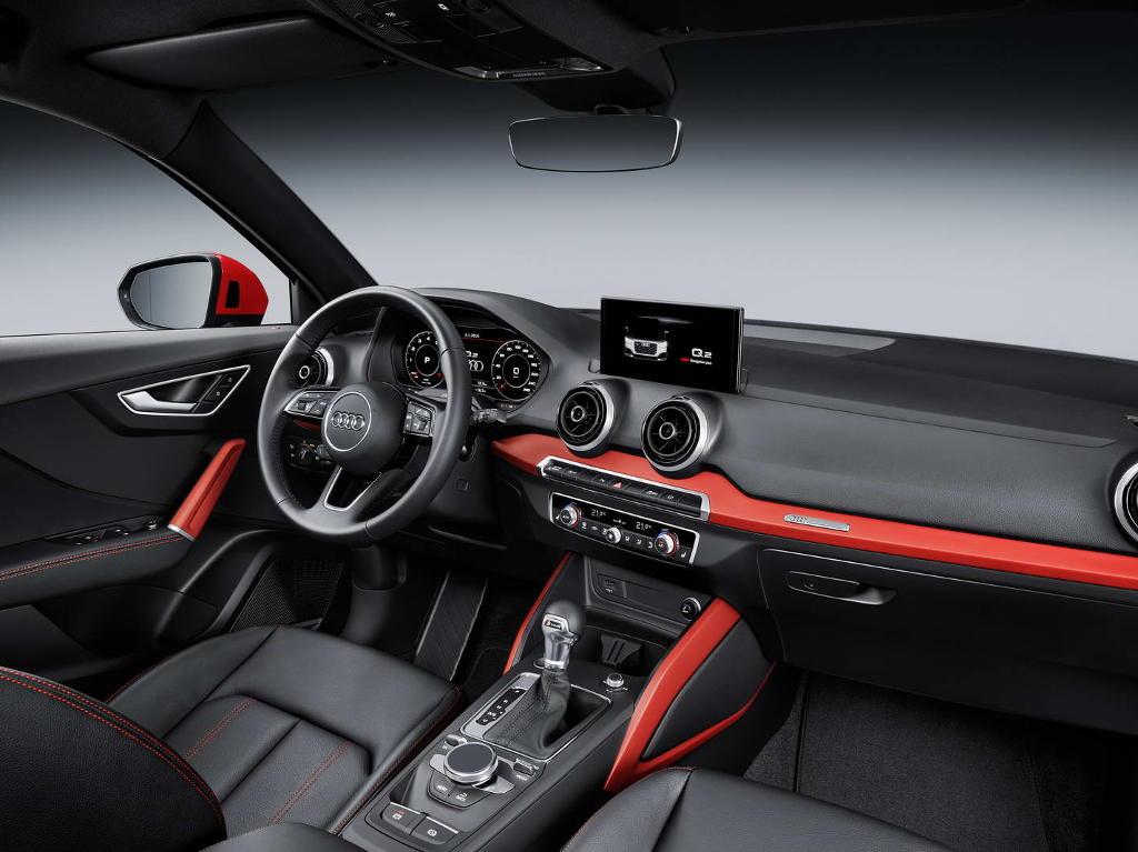 салон Audi Q2 2016–2017