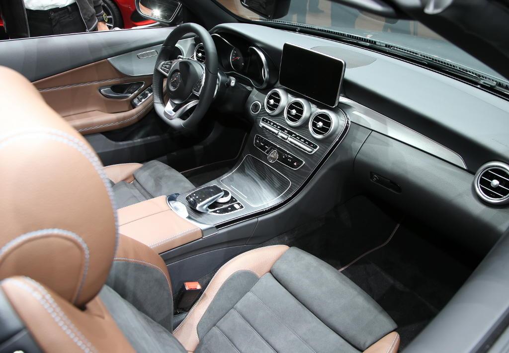 салон Mercedes C-Class Кабриолет 2016 – 2017