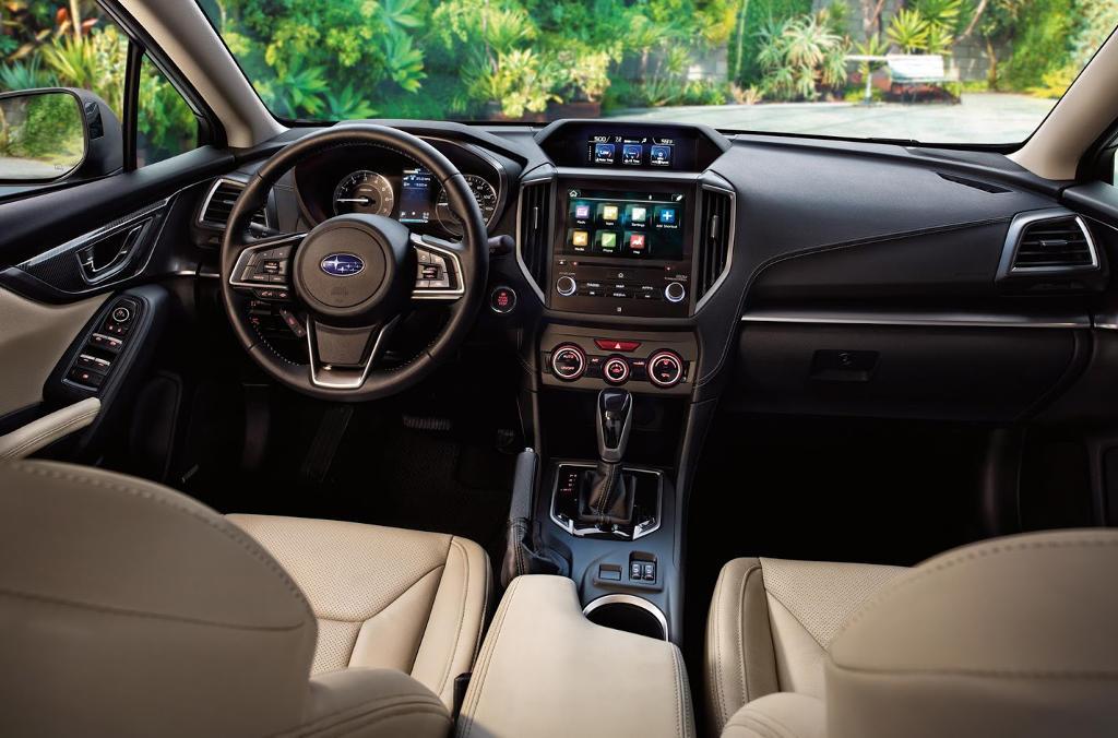 салон Subaru Impreza 2016–2017
