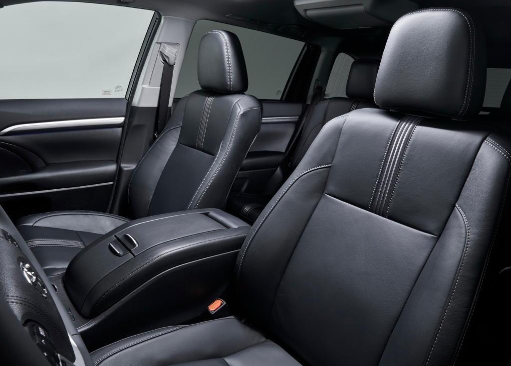 Интерьер Toyota Highlander 2018 фото