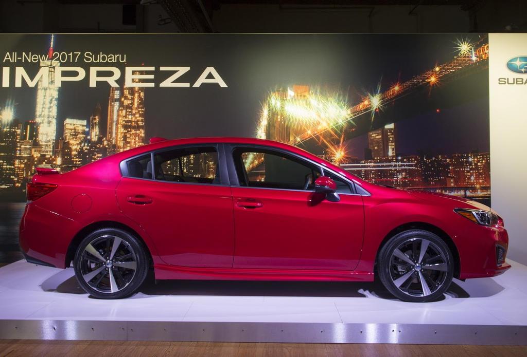 седан Subaru Impreza 2016–2017 сбоку