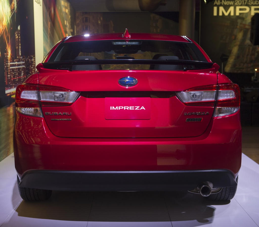 задние фонари Subaru Impreza 2016–2017