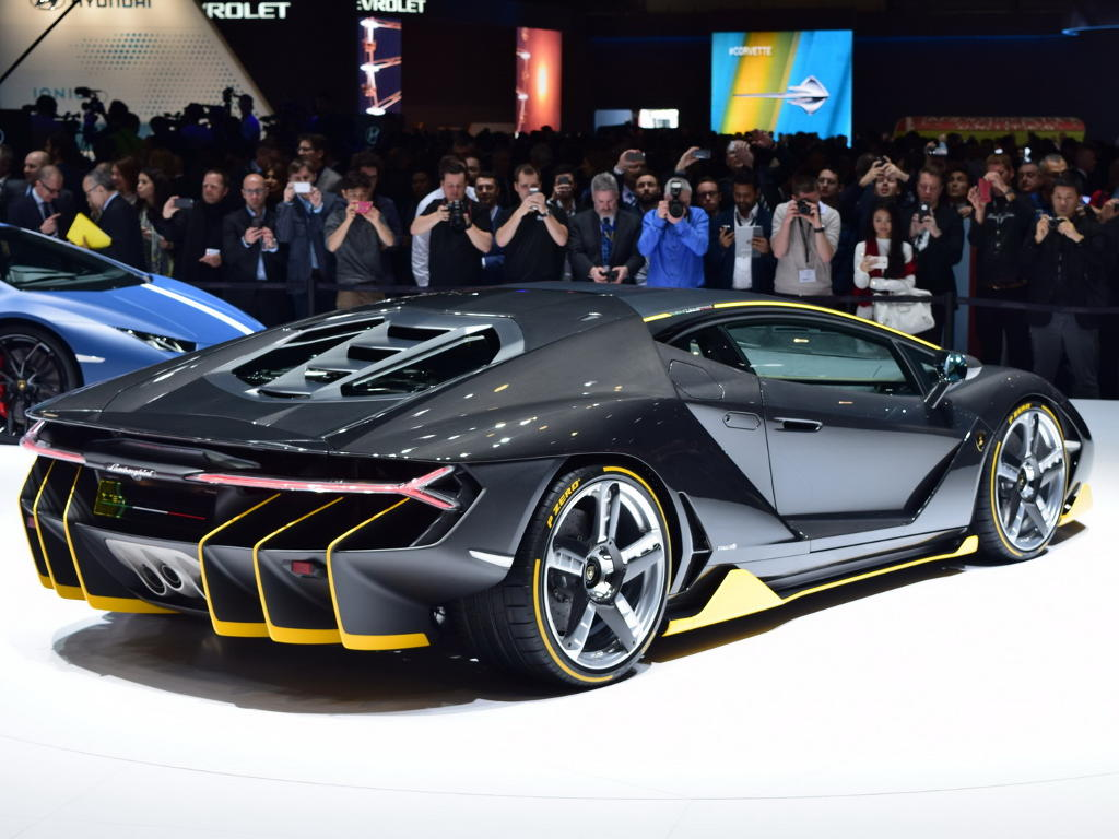 задняя часть Lamborghini Centenario 2016
