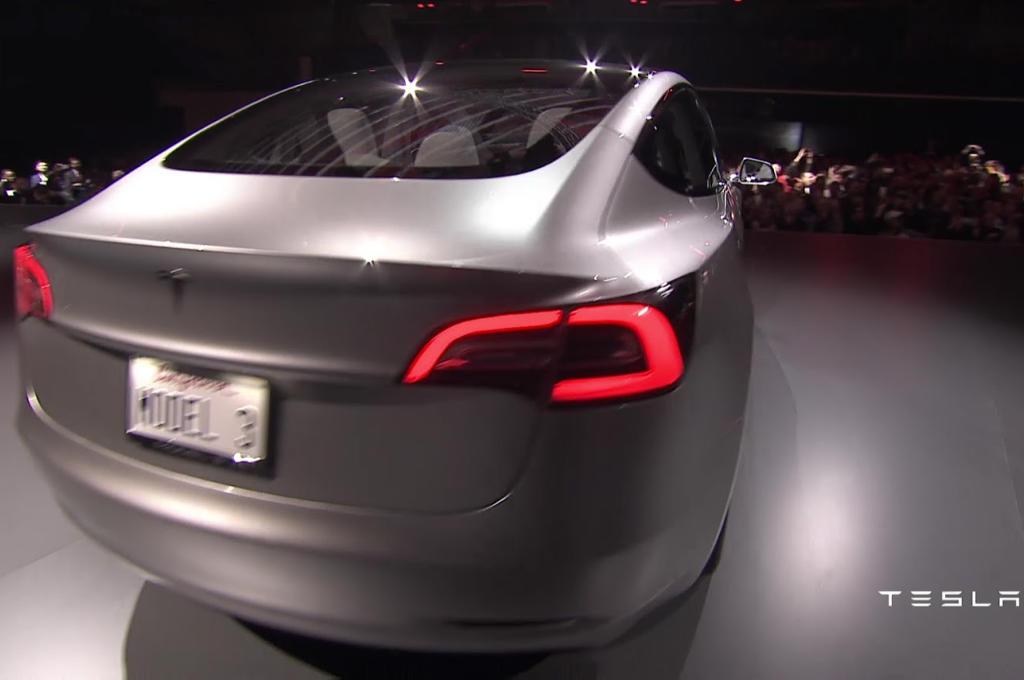 задние фонари Tesla Model 3