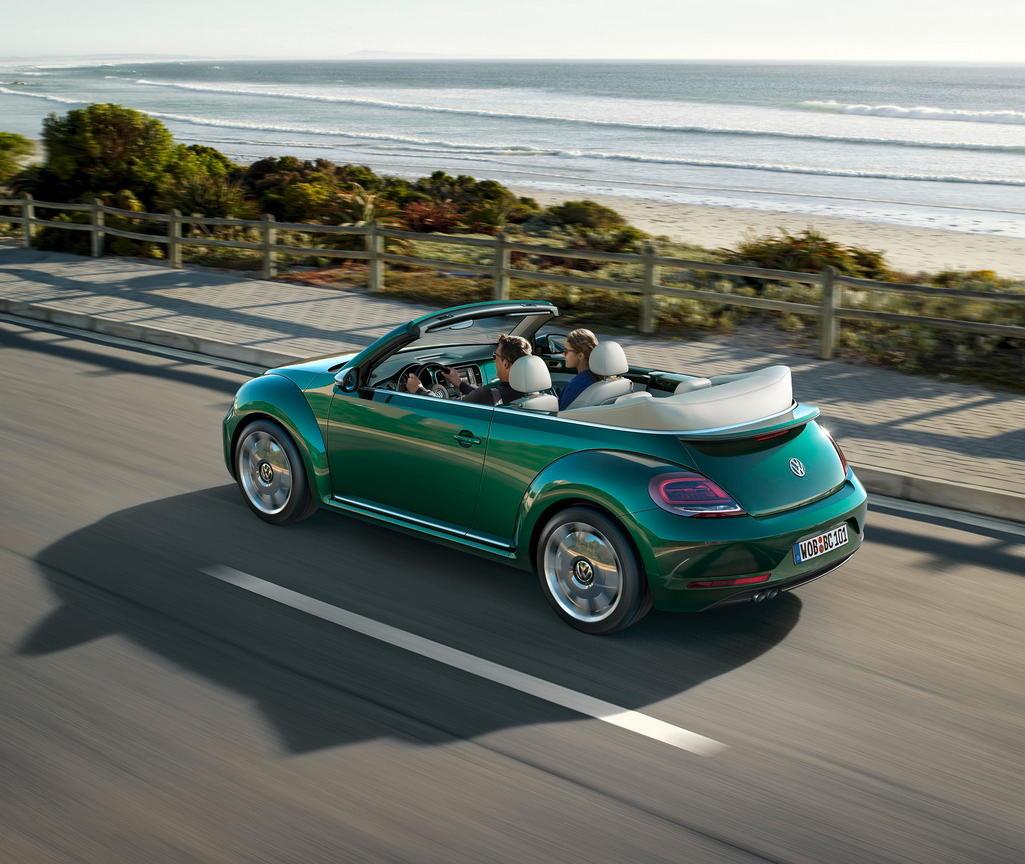 задняя часть Volkswagen Beetle «Жук» 2016–2017 Кабриолет