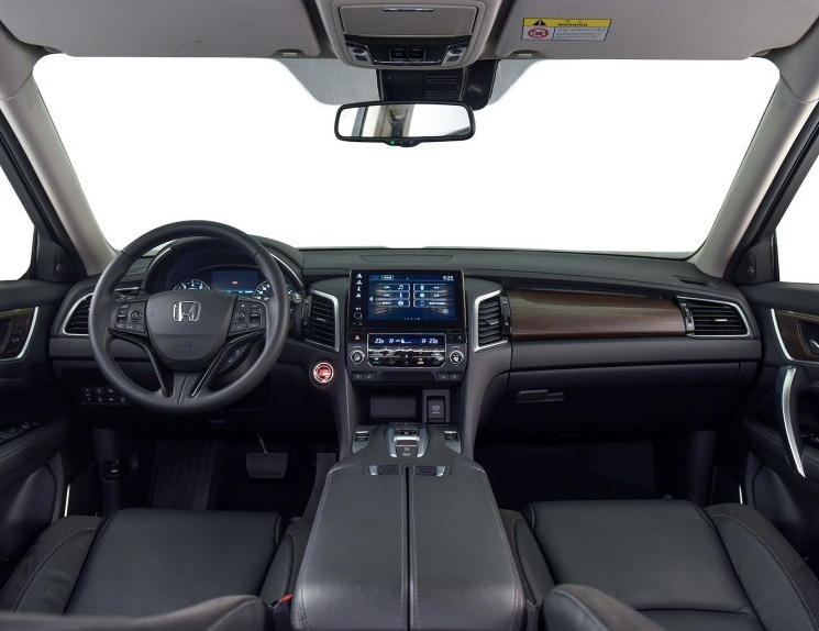 салон Honda Avancier 2017