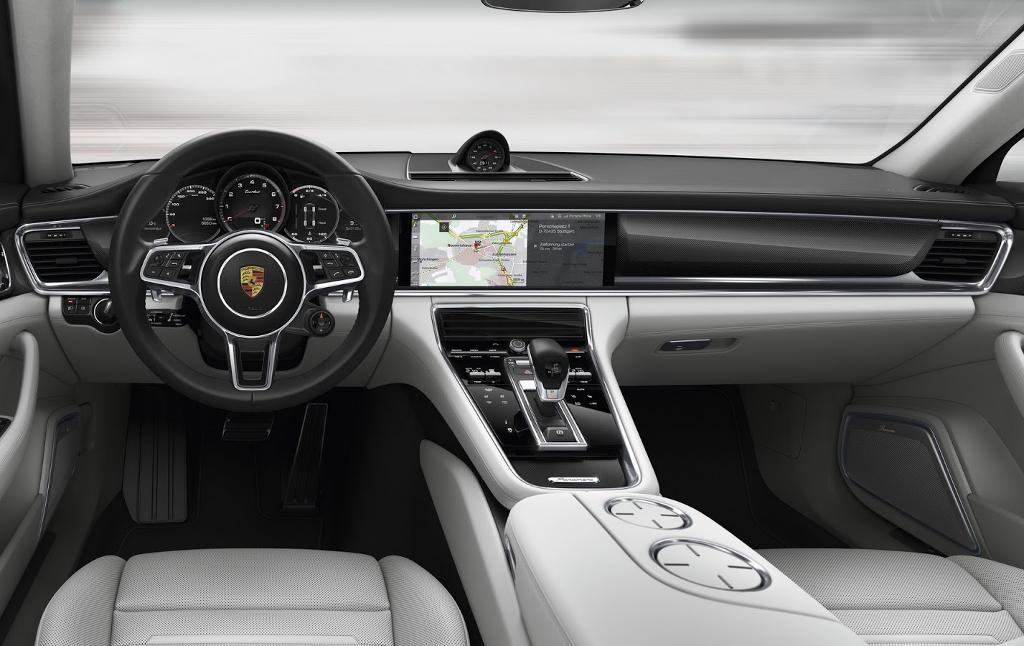 салон Porsche Panamera 2017