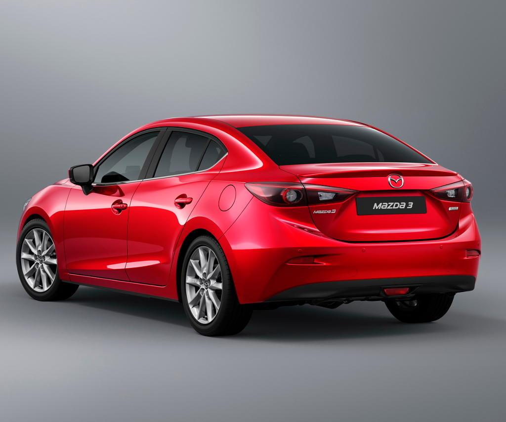 задняя часть Mazda 3 Седан 2017