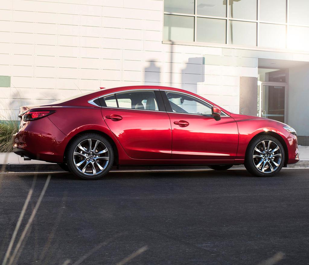 новая Mazda 6 2017 сбоку