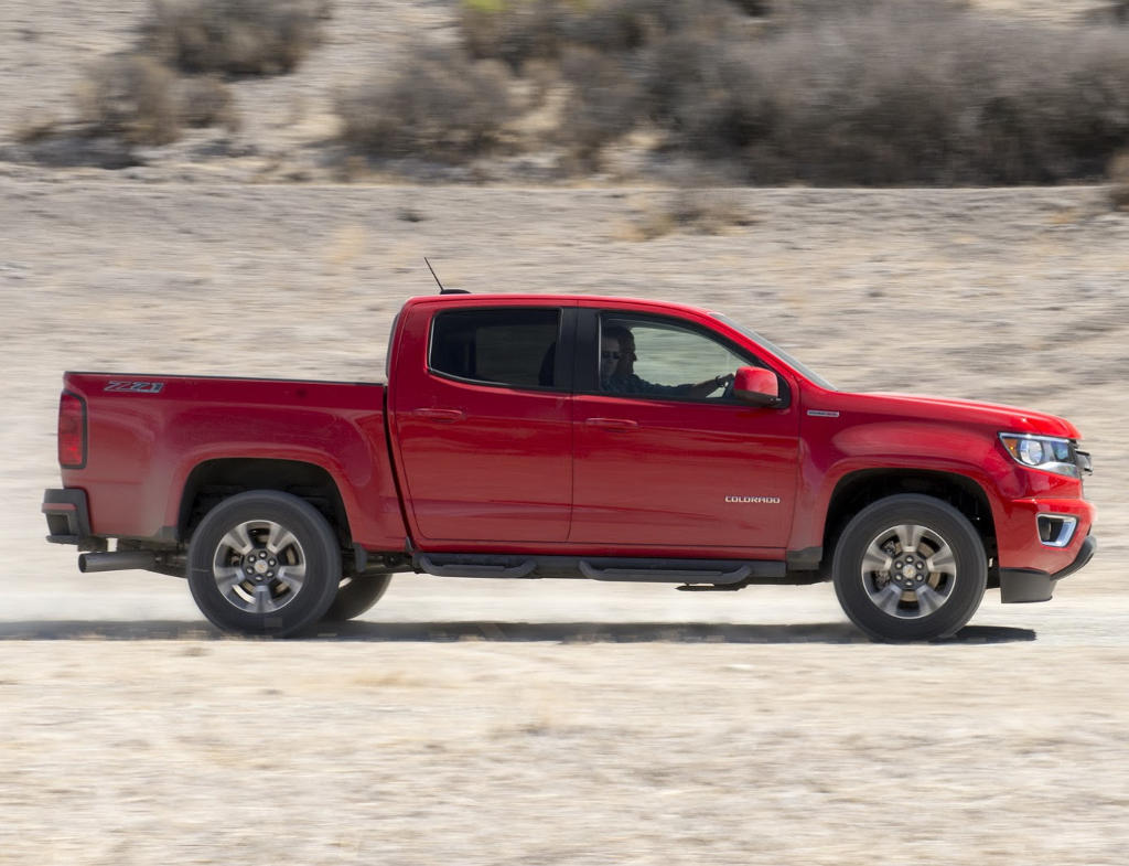 новый Chevrolet Colorado 2017 сбоку