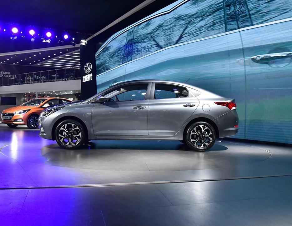 новый Hyundai Solaris 2017 сбоку