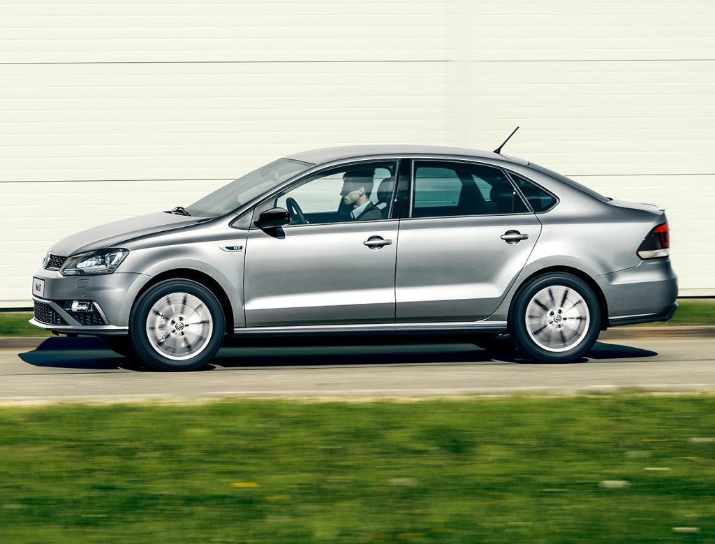 новый Volkswagen Polo GT 2016 сбоку