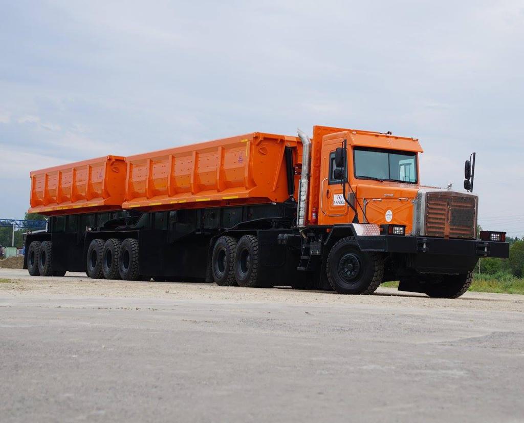 новый автопоезд Тонар-45252 сбоку