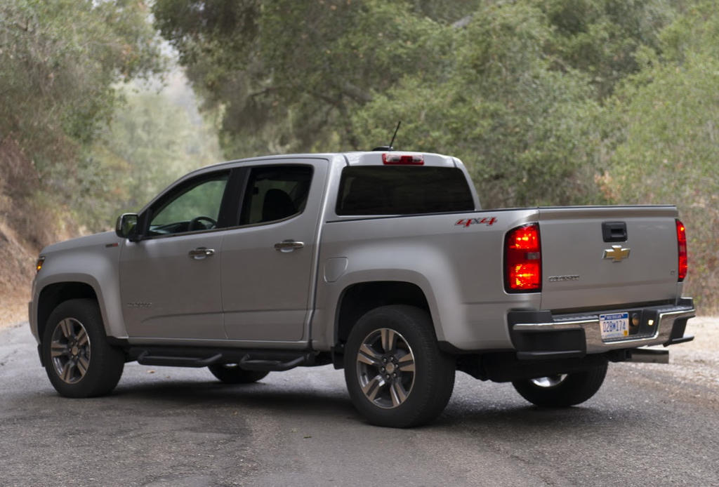 задняя часть Chevrolet Colorado 2017