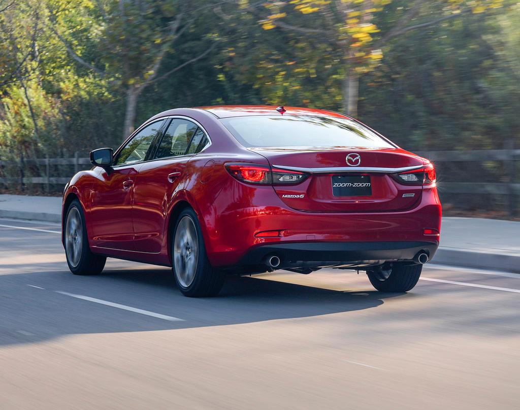 задняя часть Mazda 6 2017