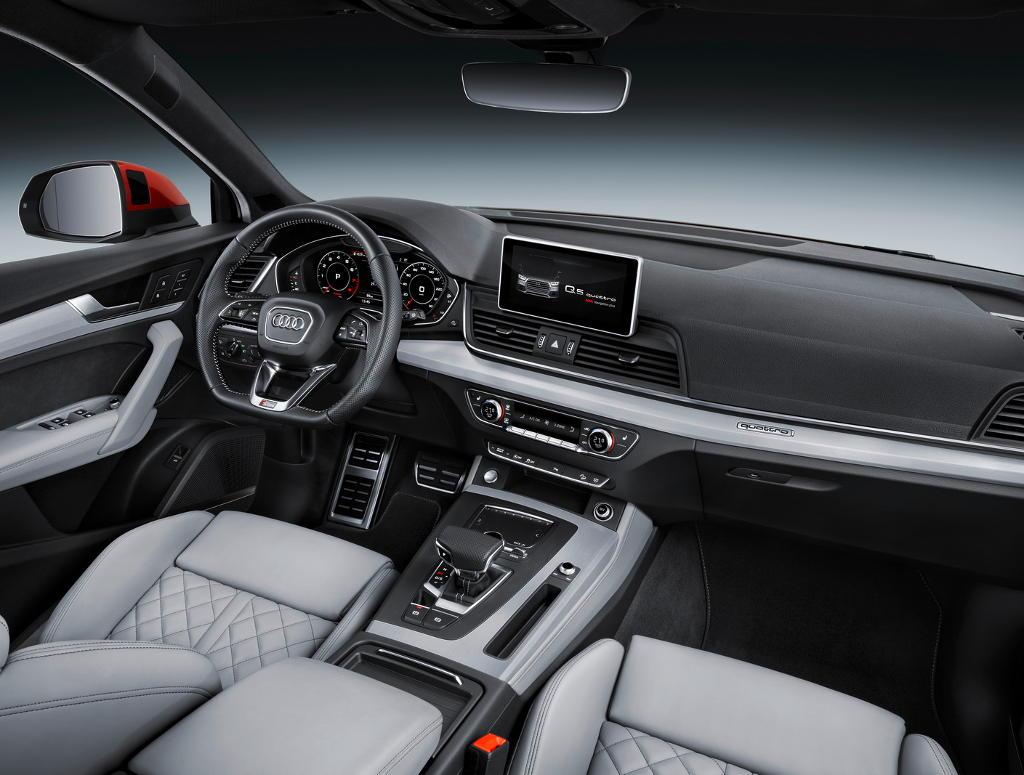 салон Audi Q5 2017