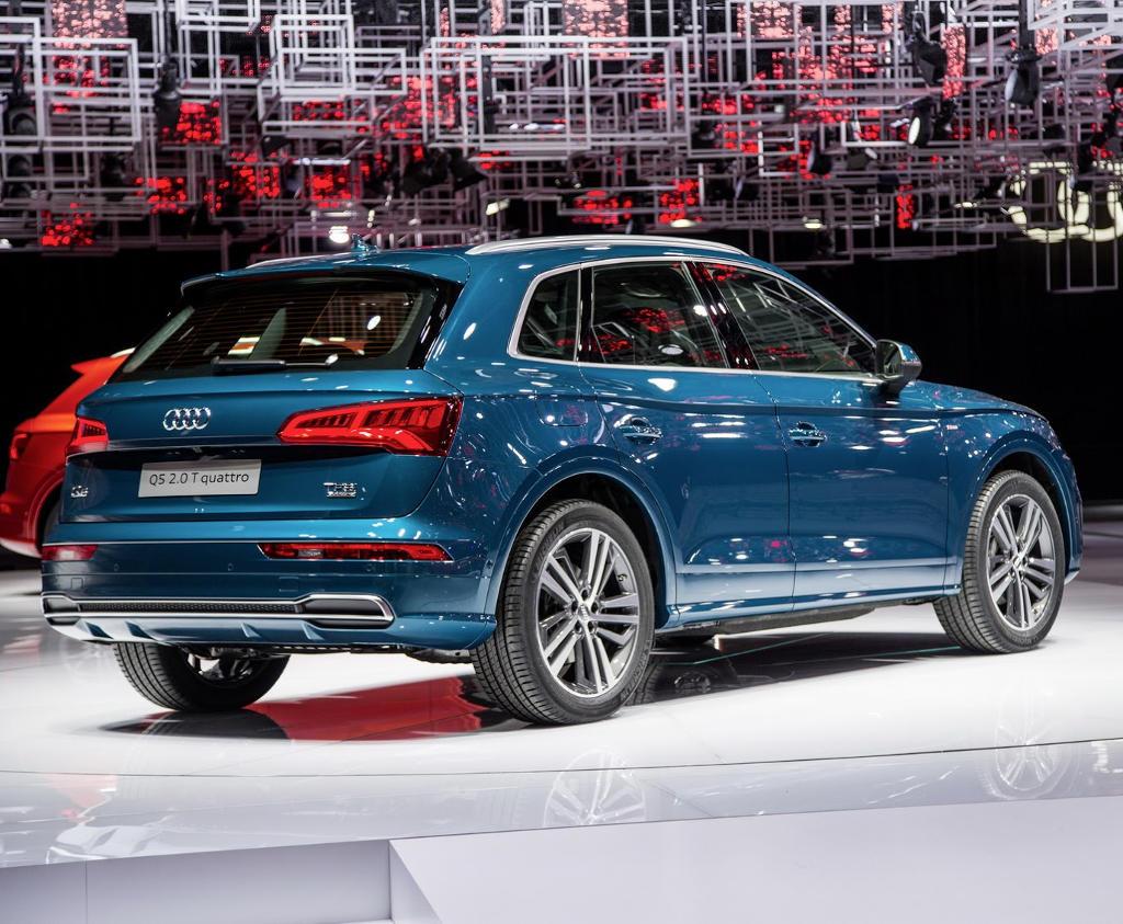 задние фонари Audi Q5 2017