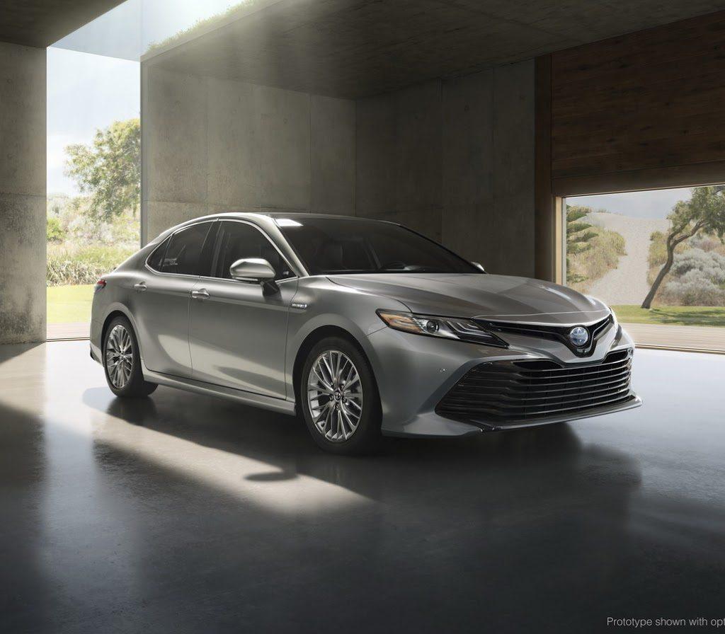 фото Toyota Camry LE 2017–2018 для США