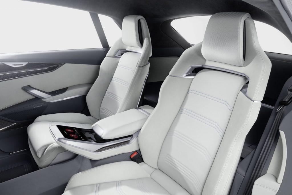 интерьер Audi Q8 2017