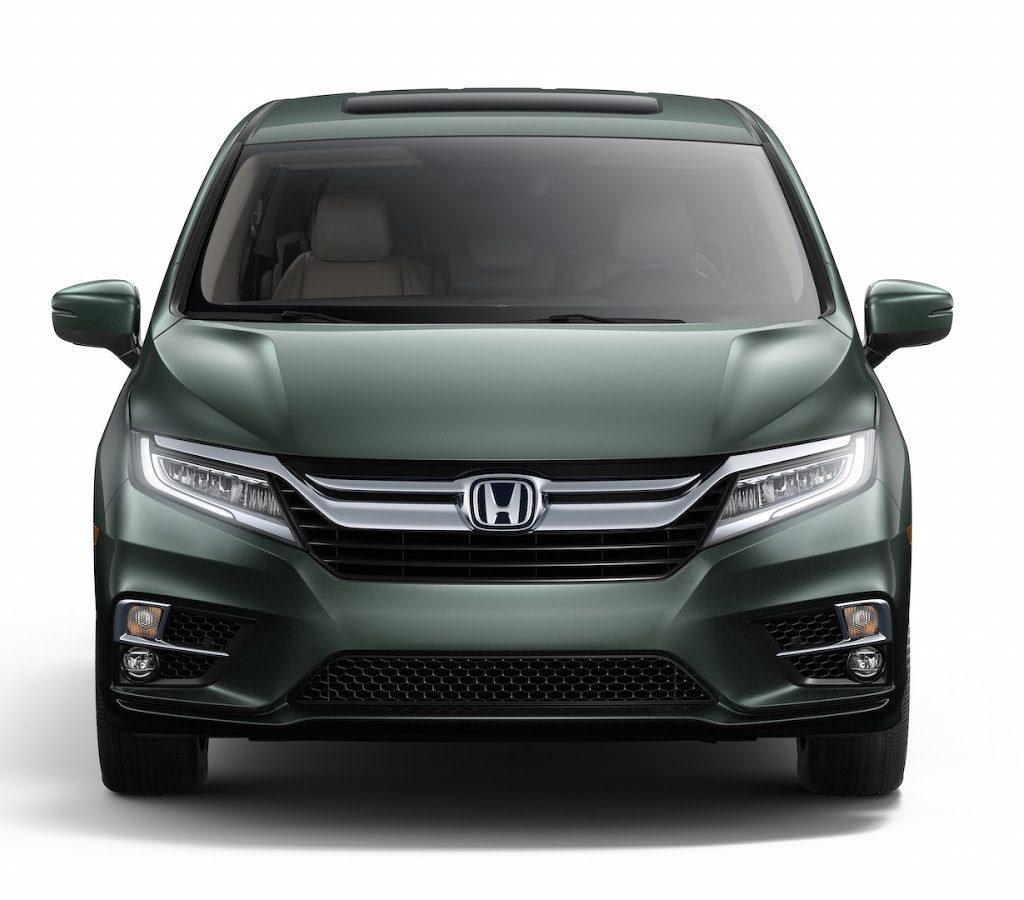 решетка, фары, бампер Honda Odyssey 2017