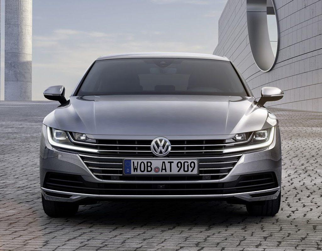 фары, решетка, бампер Volkswagen Arteon 2018