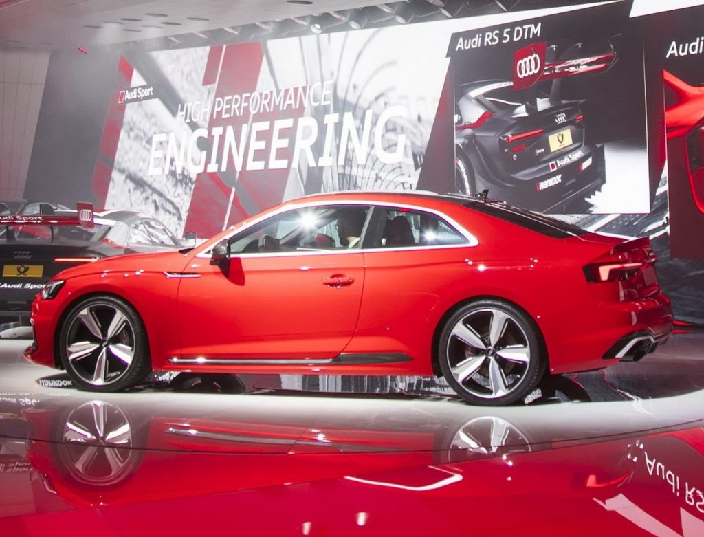 новое купе Ауди RS5 2018 сбоку