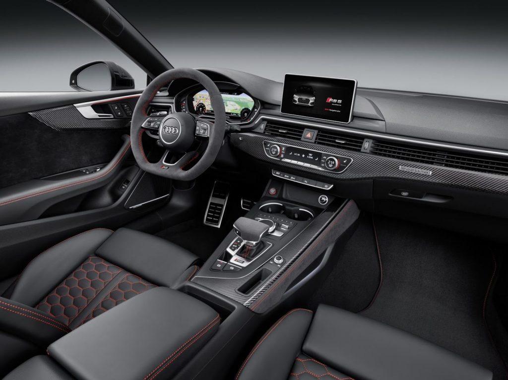 салон Audi RS5 Coupe 2018