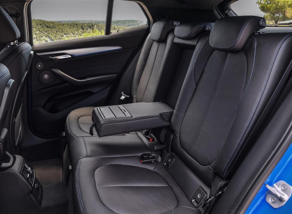 интерьер BMW X2 2018 фото
