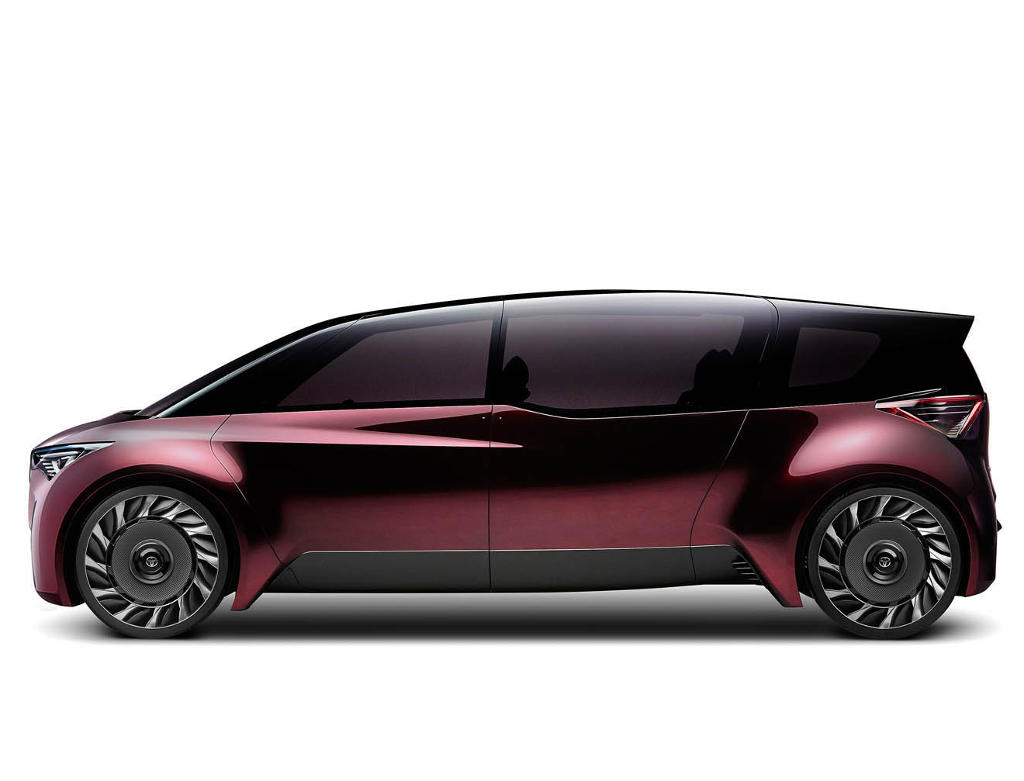 концепт Toyota Fine-Comfort Ride 2017 сбоку