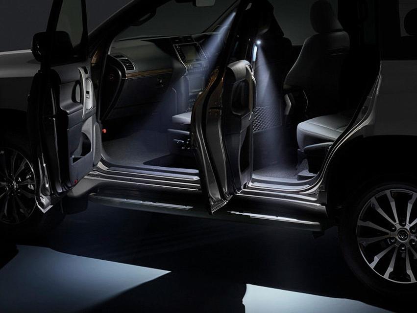 Тюнинг Тойота Прадо 2018 освещение салона