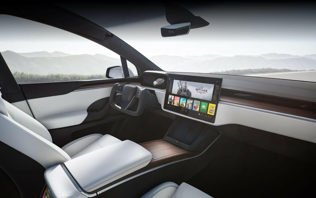 салон Tesla Model X SUV 2021-2022
