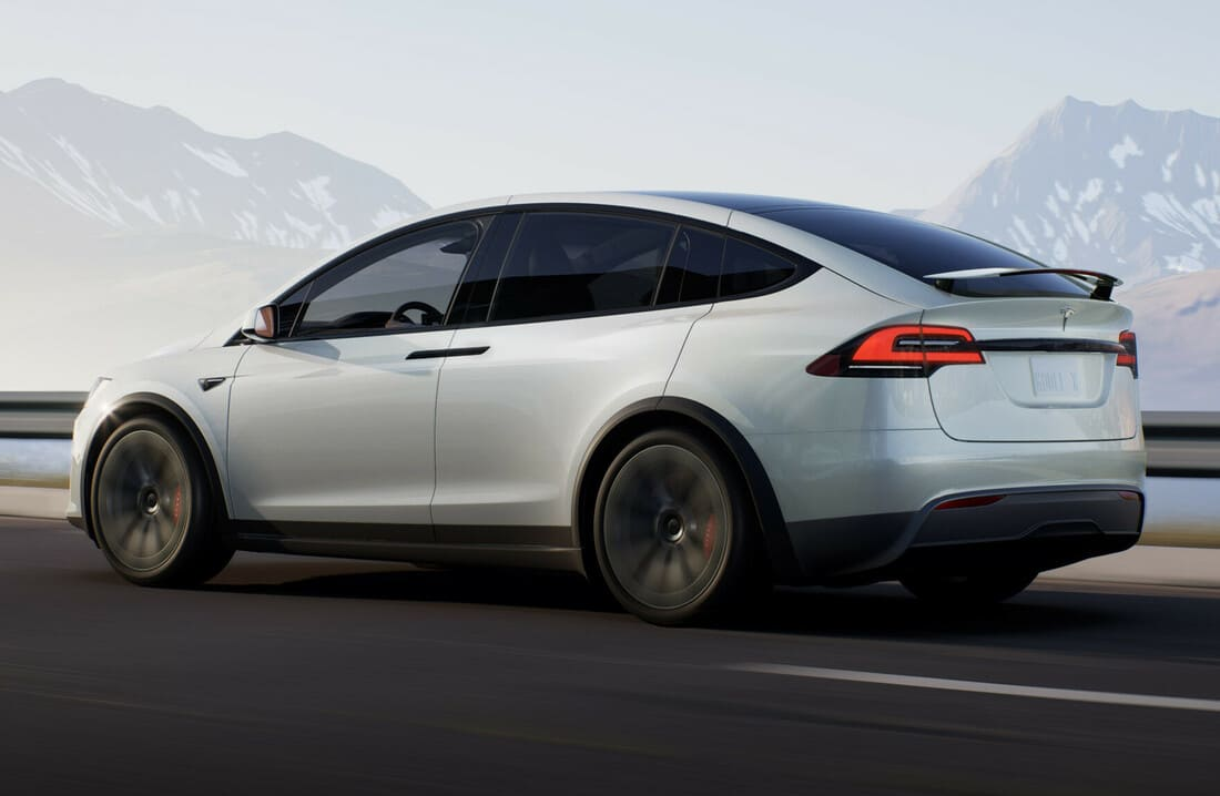 задняя часть Tesla Model X SUV 2021-2022