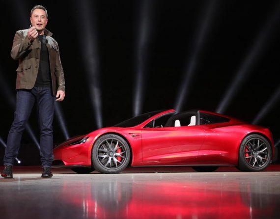 Илон Маск и новый Tesla Roadster 2020