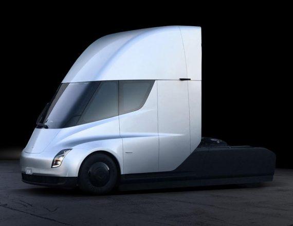 электрогрузовик Tesla Semi сбоку
